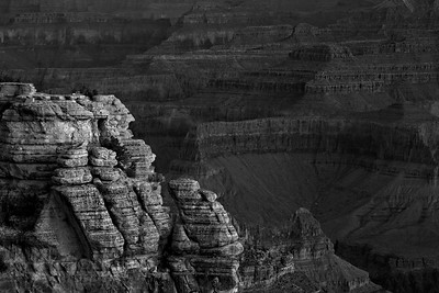 Sunrise at Mather Point at Grand Canyon National Park. The viewpoint is near the park's visitor center and is frequented by tourists.  © Kyle Spradley Photography | www.kspradleyphoto.com
