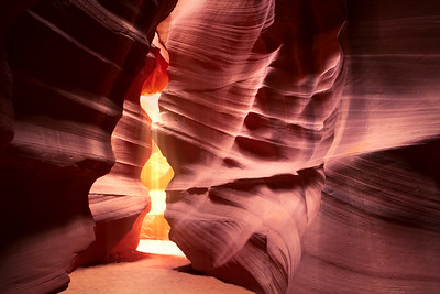 Light pit in Antelope canyon