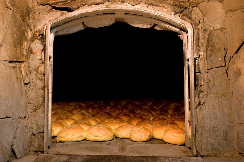 Il Pane viene sfornato - Forno: Alfio Bosco, Pane di Lentini, Sicilia