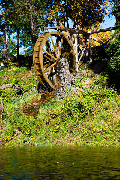 A water wheel at the Gaston's Resort in Bull Shoals, Arkansas, USA.