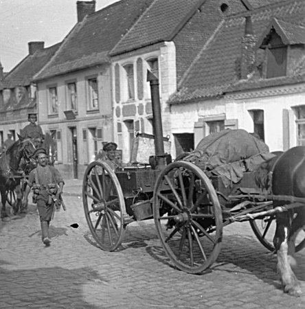 <font size=3><u> - Field Cooker WW1 -  </u></font> (BS0696)  As spotted by George Gurney as a lad watching Ox & Bucks battalion marching through the village.