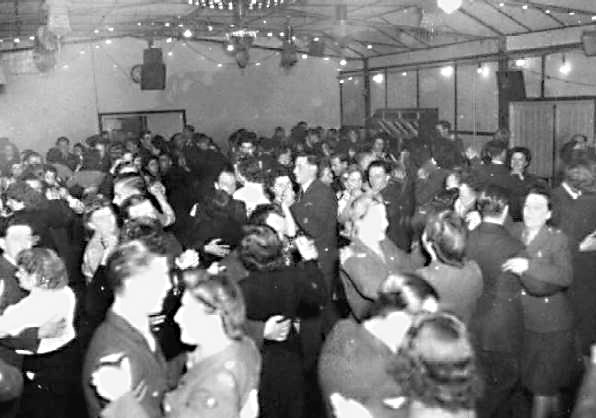 <font size=3><u> - Village Dance - 1940s - </u></font> (BS0011)  Old Village Hall.