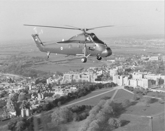 <font size=3><u> - Wessex HCC Mk 4 - </u></font> (BS0363)  Wessex flying over Windsor.