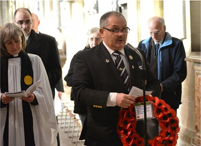 Jim Titheridge reading the Memorial before laying the wreath