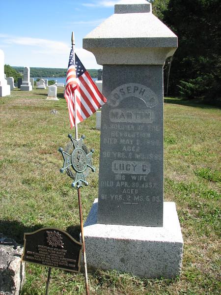 Gravestone of Joseph Plumb Martin
