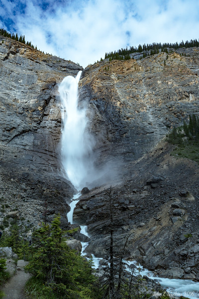 Takakkaw Falls In Slow Motion