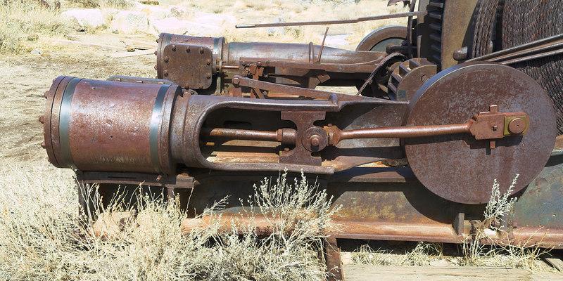 Steam cylinders on the steam hoist.