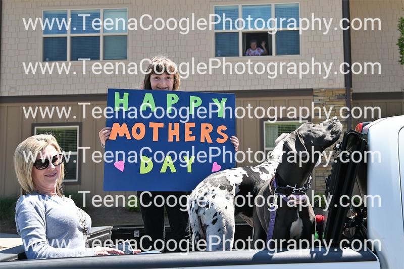 Amanda and Jared Wyatt daughter Blakley mother is in window Brenda Wyatt dogs Lola and Gracie