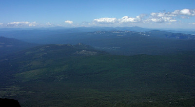 toward Mt Theilsen from the top of Mt McLoughlin