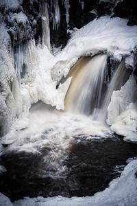 Cascade Begins to Freeze