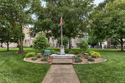 WW2 Memorial - Court House