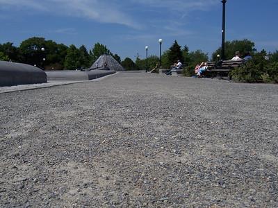 G: gravel pathway