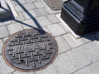 M: manhole cover