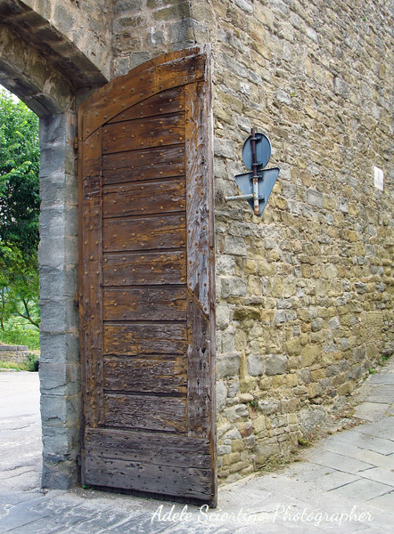 Wood Gate Door To Cortona