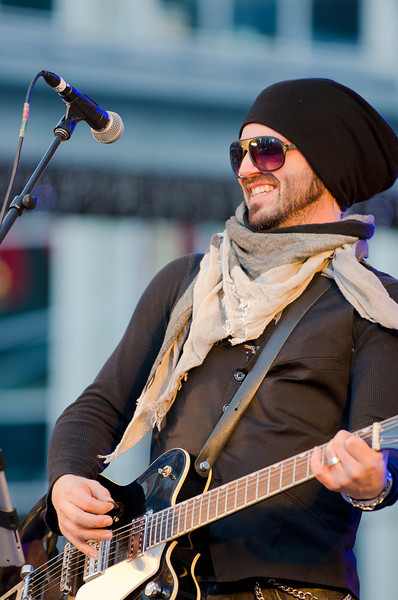 That's Steven Gore of Celtic rock band, Mudmen. Shot this 24 November, 2012 at Dundas Square in Toronto.