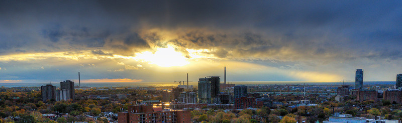 Superstorm Sandy slams into #Toronto sunrise on October 30.