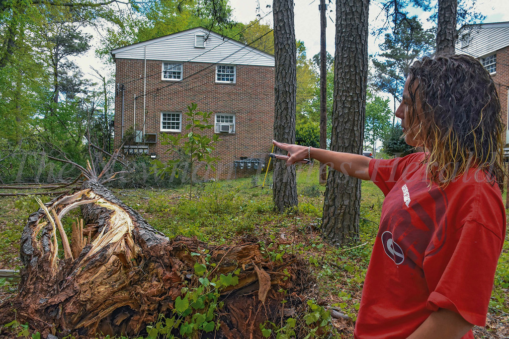 Heavy winds and close calls for Newnan residents