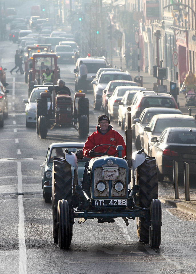 The annual Tullamore Tractor Run in aid of Dochas Offaly Cancer Support Group travels through Tullamore, Thurs - 28.12.17