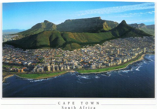 03_Cape_Town_Aerial_View_of_Sea_Point_and_Table_Mountain