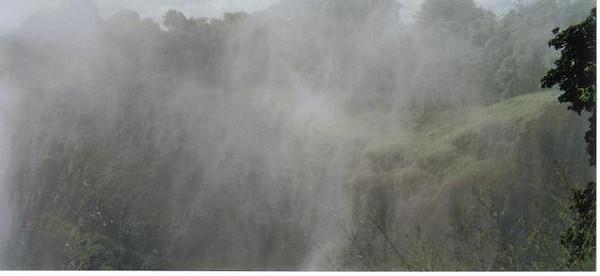 15_Victoria_Falls_ View_ Mist
