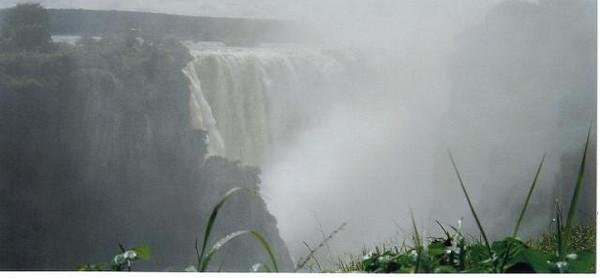 16_Victoria_Falls_ View_ Mist