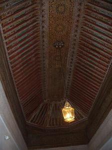 471_Ma_Palais_El_Bahia_Plafond_cedre_polychrome_sculpte