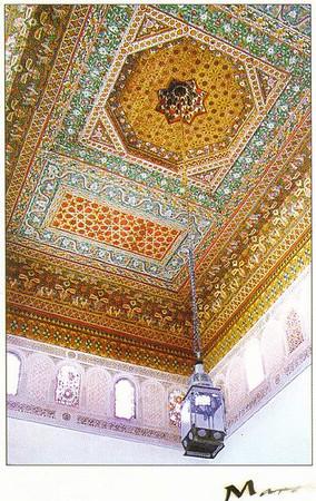 012_Maroc_Plafond_en_bois_de_cedre_polychrome_et_sculpte