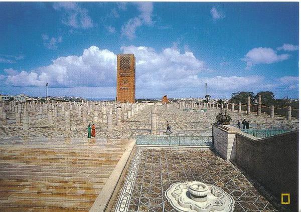 042_Rabat_Tour_Hassan_Embleme_Ville_Imperiale_44m_haut_1199