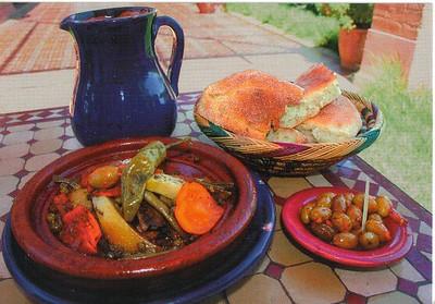 023_Maroc_Typique_Tagine_aux_legumes_et_olives