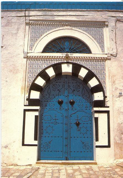 009_Tunisie_Porte_d_entree_cloutee