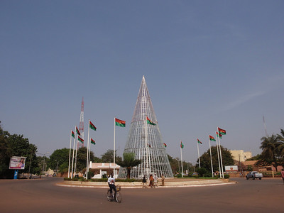 045_Bobo-Dioulasso  Place de la Nation