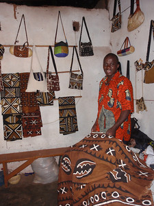 044_Bobo-Dioulasso  Kibidwe  Craft Shop  Kente Cloth