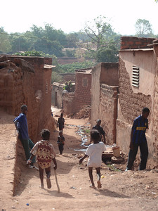 023_Bobo-Dioulasso  Old Quarter of Kibidwe  Kids in a Narrow Alley