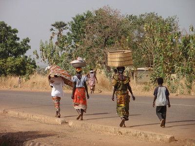 138_Gaoua  Women Daily Life  Balance and Strenght