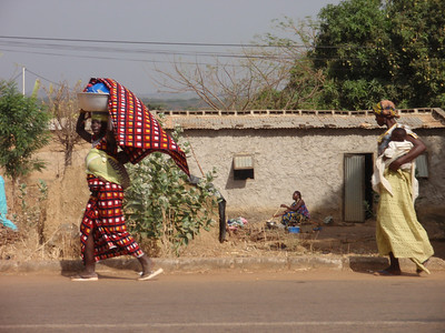 139_Gaoua  Women Daily Life  Balance and Strenght