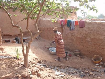 032_Bobo-Dioulasso  The Old Quarter of Kibidwe  Daily Life