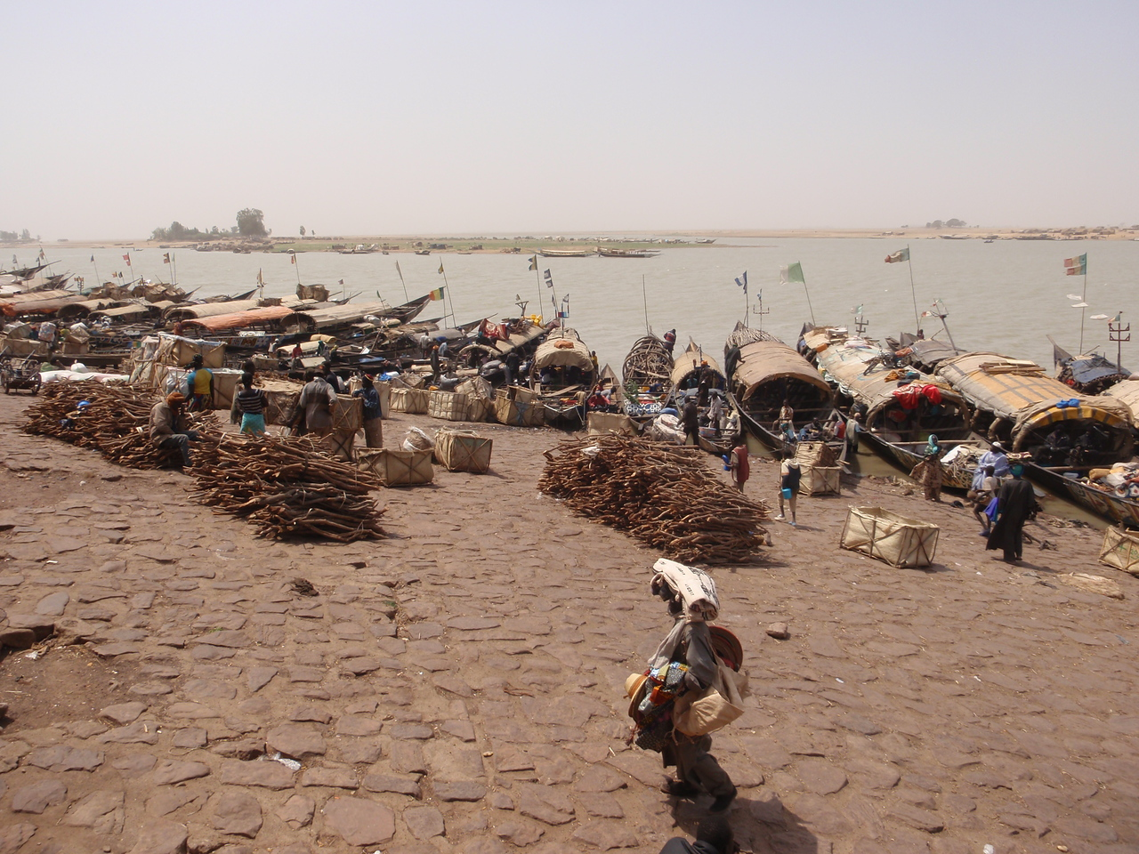 330_Mopti  Commodities to be Sold  Woods