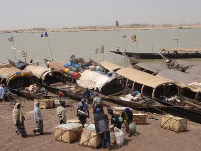 331_Mopti  A Vital Port of the Niger Inland River Delta