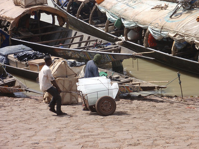 334_Mopti  Big Ices Cubes are a Raw Commodity