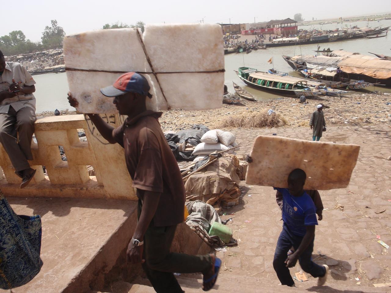 320_Mopti  Slabs of Salt from Timbuktu