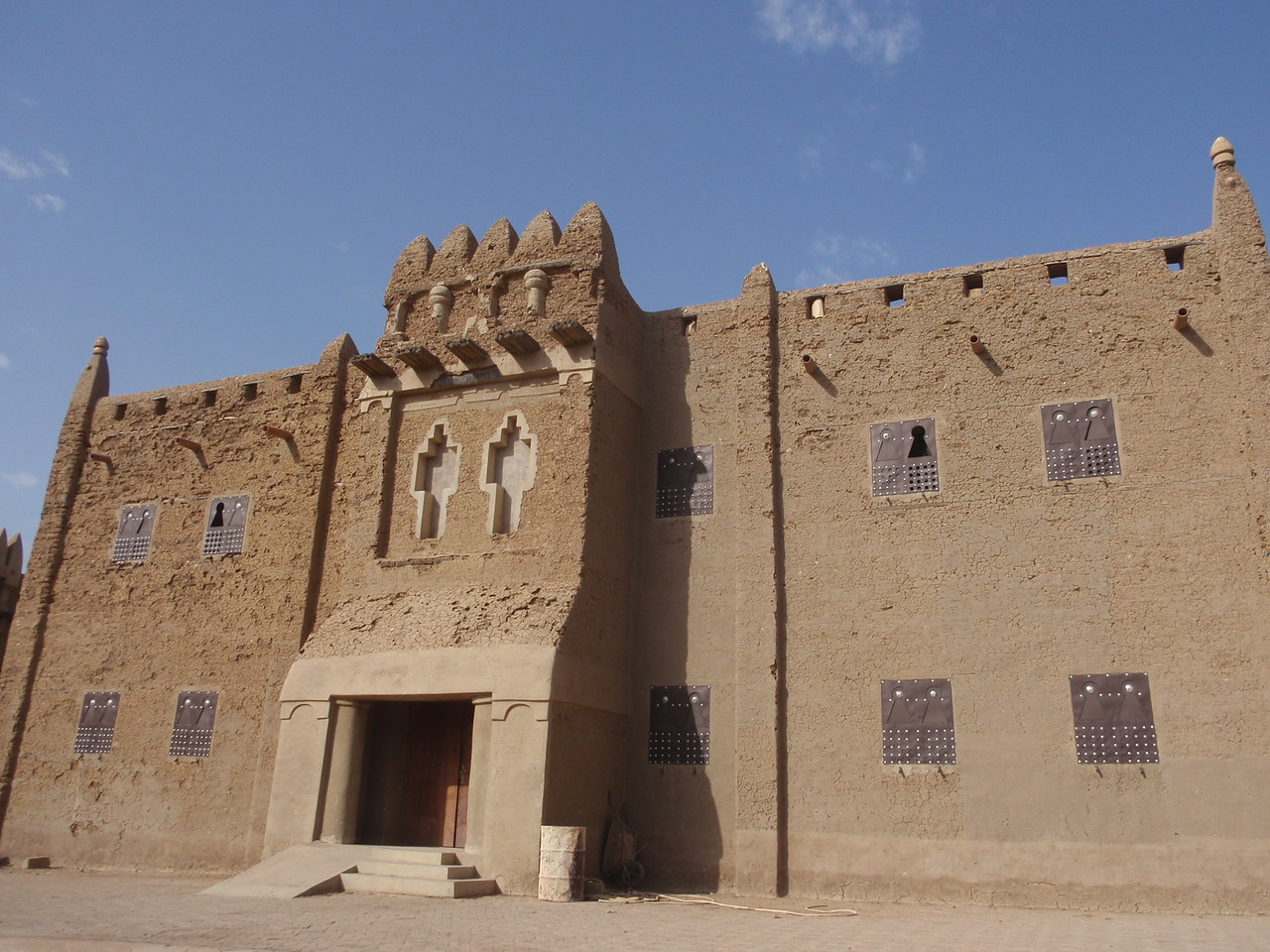 174_Djenne Old Town  Moroccan or Moorish-style Structure