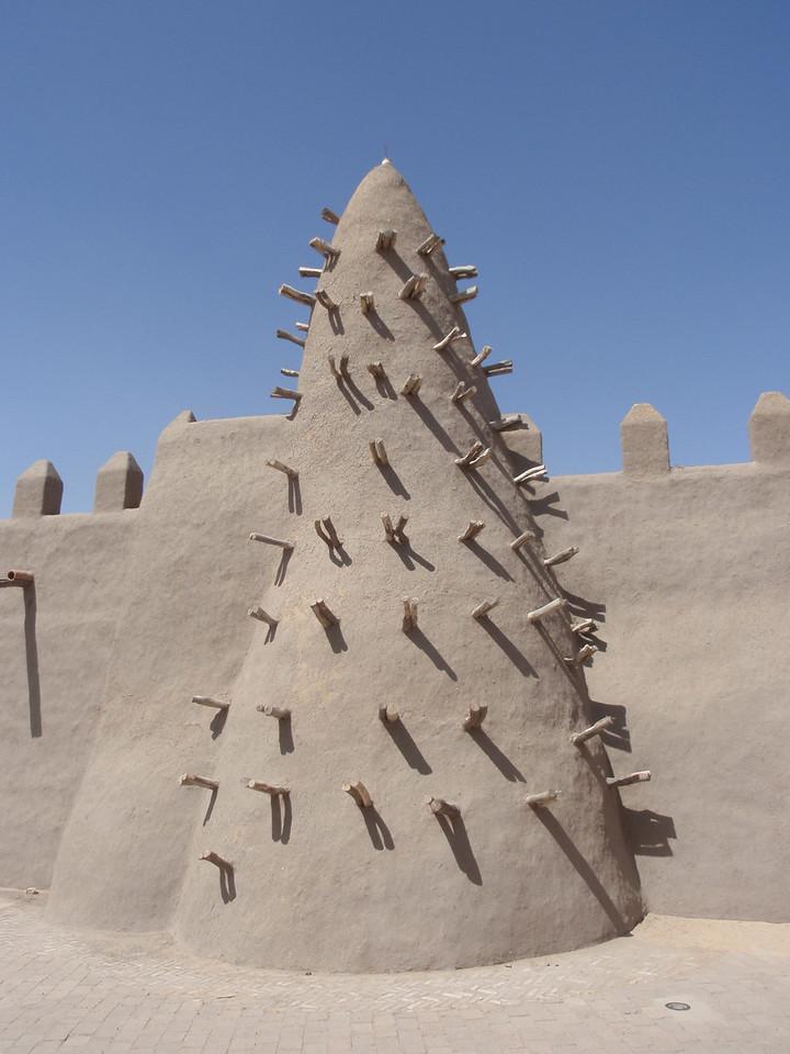 067_Dyingerey Ber Mosque  Wooden Struts  Regular Replastering