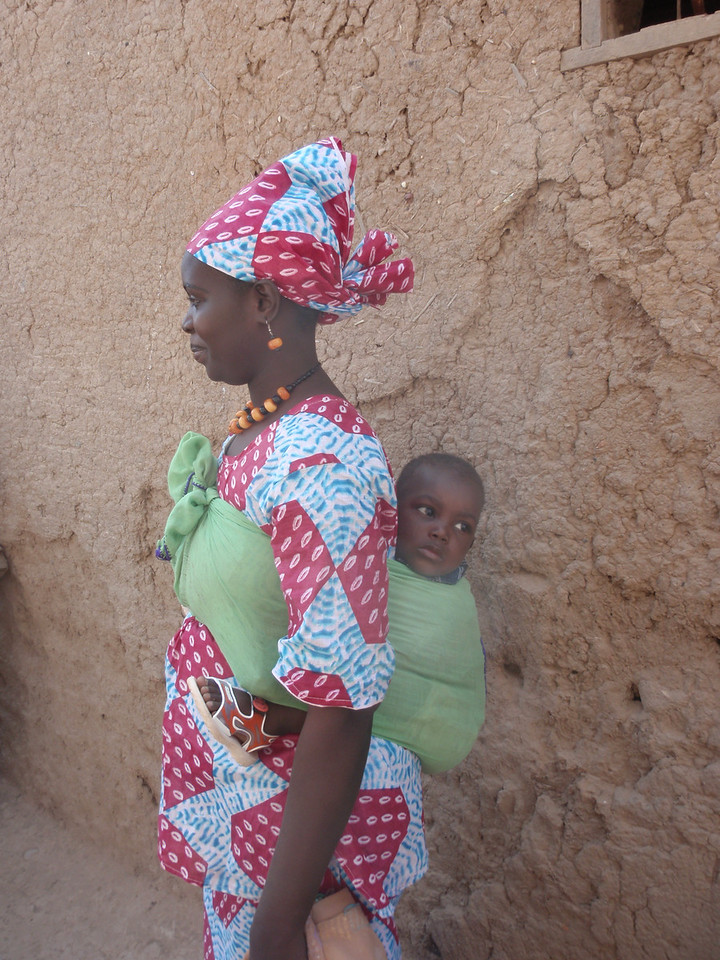 196_Djenne Old Town  Mother and Child in Perfect Balance