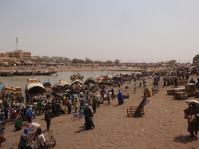 329_Mopti  A Vital Port of the Niger Inland River Delta