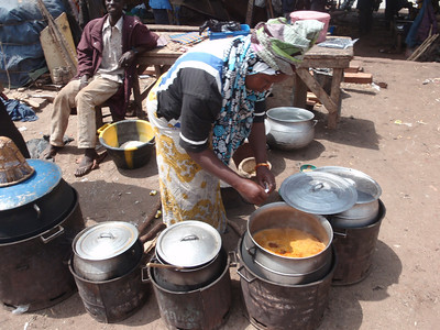 345_Mopti  A Woman Cooking Stall