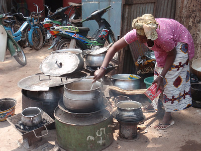 341_Mopti  A Woman Cooking Stall