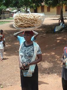 092_Ntonso Craft Village  Woman Life  Strenght and Balance