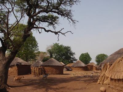 029_Between Tamale and Kumasi  Traditional Buildings