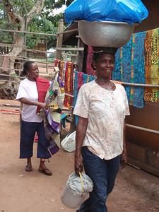 091_Ntonso Craft Village  Woman Life  Strenght and Balance