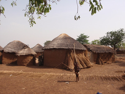 030_Between Tamale and Kumasi  Traditional Buildings